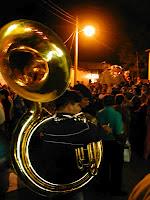 Las bandas filarmónicas son una expresión cultural característica del pueblo Ayuuk. Cada poblado mixe cuenta con una banda propia, nutrida por quienes dan servicio comunitario...