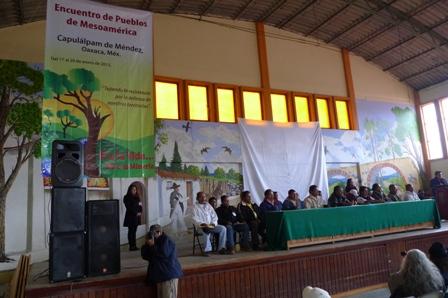 http://endefensadelosterritorios.org/2013/01/21/declaratoria-encuentro-de-pueblos-de-mesoamerica-si-a-la-vida-no-a-la-mineria/ Los pueblos, comunidades, organizaciones, colectivos y redes, desde la diversidad que caracteriza la región mesoamericana, nos hemos encontrado los días 17 al 20 de...