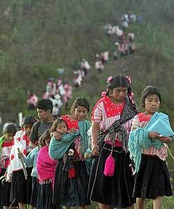 De:http://espoirchiapas.blogspot.mx/ Se reavivan los conflictos en Chenalhó -Relacionados con excarcelaciones de la masacre de Acteal, consideran. Autoridades e indígenas evangélicos, de la colonia Puebla, en...