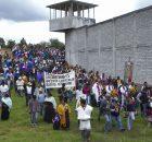 por Marta Molina Foto: Moysés Zúñiga Santiago Desde el interior del penal número 5 de San Cristóbal de las Casas, Chiapas los presos pudieron oír...