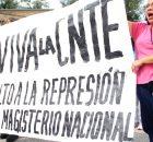 Madres y padres de familia, niños, jóvenes, estudiantes, abuelos y personas de toda la sociedad civil, marcharon esta mañana en San Cristóbal de la Casas...