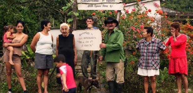 """Saludo desde el Escambray a las comunidades en resistencia de Chiapas Saludo de Silvio Rodríguez a las comunidades autónomas de Chiapas Aula agroecológica """"Por la..."""