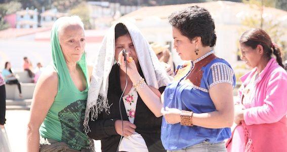 Lesvia Gómez sobrervivió luego de que su esposo Jorge Navarro le disparara 2 veces con un arma de fuego en el rostro. Esto sucedió el...