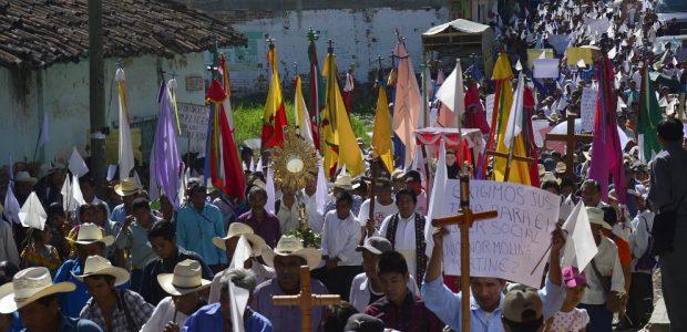 El sábado 12 de julio se realizó la cuarta peregrinación del Pueblo Creyente de la Parroquia del municipio de Simojovel, para exigir el cierre de...