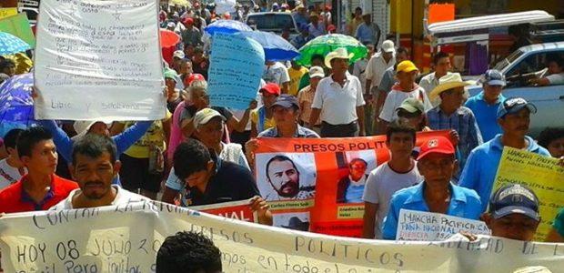 """Pozol Colectivo. Tonalá Chiapas. 8 de julio. """"Protestar es un derecho, Reprimir es un delito"""", manifiestan este día en dos marchas en las ciudades de..."""