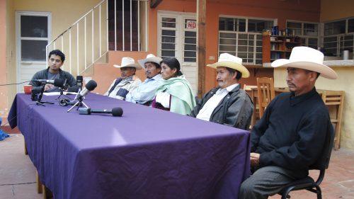 Conferencia de prensa del Ejido Candelaria sobre autopista San Crittóbal - Palenque