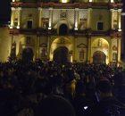 14 de noviembre de 2014. Miles de personas salieron a las calles de San Cristóbal de Las Casas, Chiapas para recibir y acompañar a la...