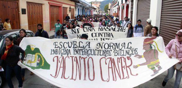 Numerosos grupos de estudiantxs, maestrxs, trabajadrxs y organizaciones sociales comenzaron a reunirse en horas de la mañana en diferentes puntos de la ciudad y marcharon...