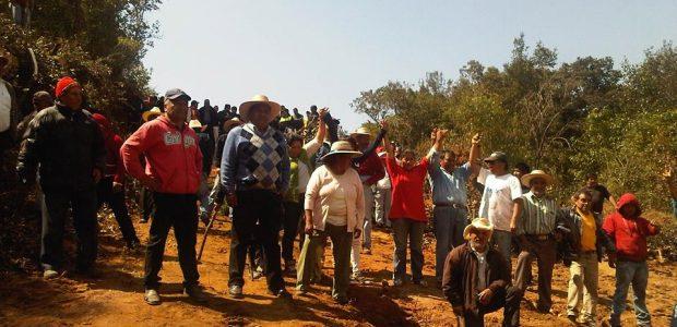 @masde131 Por: Aldabi Olvera Testigos describen cómo los granaderos entraron aplanando la zona donde anteriormente ha habido más tala del bosque. Al menos ocho hombres...