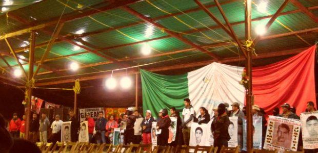 """De pozol colectivo Chiapas México #FestivalRyR / 1 de enero. """"El gobierno los tiene, se los llevó. Solo con su ayuda podremos encontrarlos"""", expresaron padres..."""