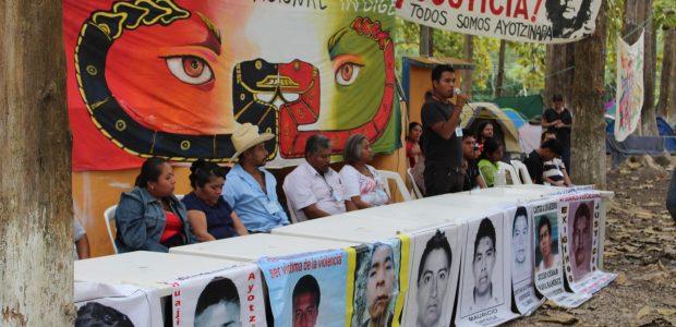 De RadioZapatista Durante la compartición en la comunidad de Monclova del Primer Festival de las Resistencias y las Rebeldías contra el Capitalismo, Radio Zapatista (RZ)...