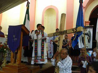 Miembros de la organización Sociedad Civil Las Abejas de Acteal y sobrevivientes de la masacre de Acteal, y la parroquia de Chenalho, están caminando en...