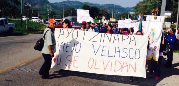 El 18 de Junio llegó a Palenque la comisión de la caravana de padres de familia y compañeros de los estudiantes desaparecidos de Ayotzinapa, para...