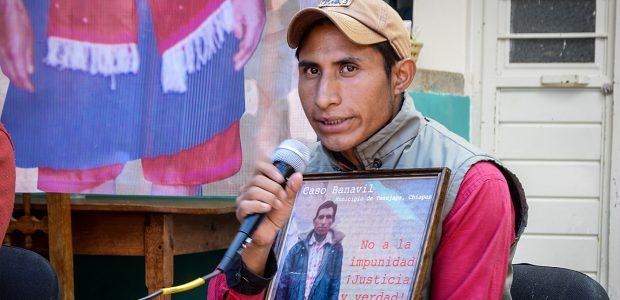 COMUNICADO 4 DIC 2015-DESPLAZADOS BANAVIL  PALABRAS DEL CDH FRAYBA  PALABRAS DE PETRONA LÓPEZ GIRÓN  Las familias exigen al Gobierno...