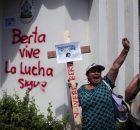 Fuente: Otros Mundos Chiapas Hace poco más de dos meses fue asesinada la defensora hondureña Berta Cáceres, coordinadora del Consejo Cívico de Organizaciones Populares e...