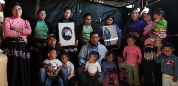 Las familias desplazadas forzadas de Banavil, Tenejapa, Chiapas continúan su exigencia de justicia por la agresión del 4 de diciembre de 2011. San Cristóbal de...