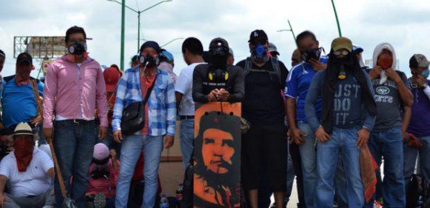 Tuxtla Gutiérrez, Chiapas. Pozol. 15 de julio. Frente a un gobierno mexicano que primeramente negaba las multitudinarias manifestaciones de miles de maestras y maestros...
