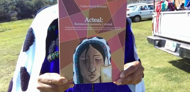 """24 de noviembre de 2017 Se llevó acabo la presentación del libro """"Acteal Resistencias Memoria y Verdad"""" en las instalaciones del Museo jTatik Samuel Ruiz,..."""